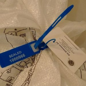 Pull Tight Plastic Seal CUSPIDE With Label Holder
