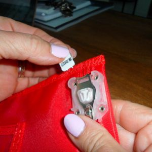 How To Remove Zip Stop Bag Arno2 (1)