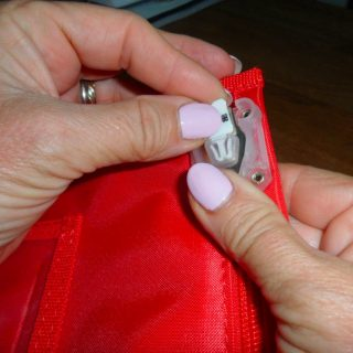 How To Remove Zip Stop Bag Arno2 (2)