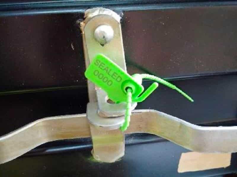 Pull Tight Plastic Seal On Handle